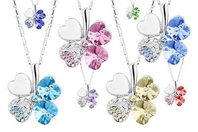 Produktfotografie von verspielten mehrfarbigen Halsketten
