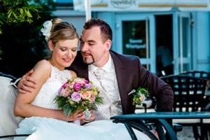 Brautfotos und Momentaufnahmen während einer Hochzeit in Nürnberg.